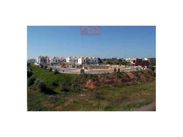 Lote de terreno para construção de 2 Moradias com cave, V...