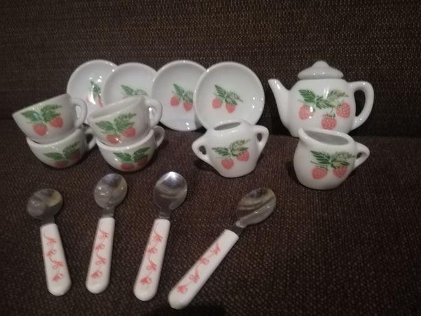 Фарфоровая кукольная посуда