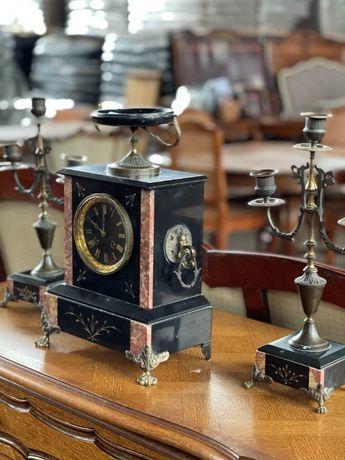 Zestaw zegar kominkowy , para świeczników Francja