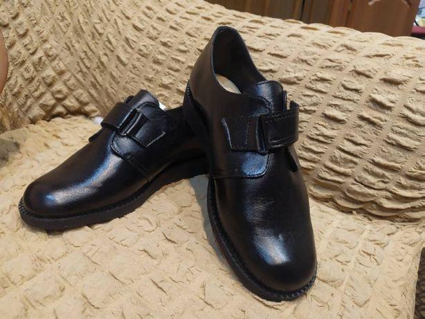 Продам туфли ортопедические новые , натуральная кожа , размер 39.