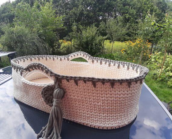 Kosz Mojżesza ze sznurka bawełnianego robiony na szydełku handmade