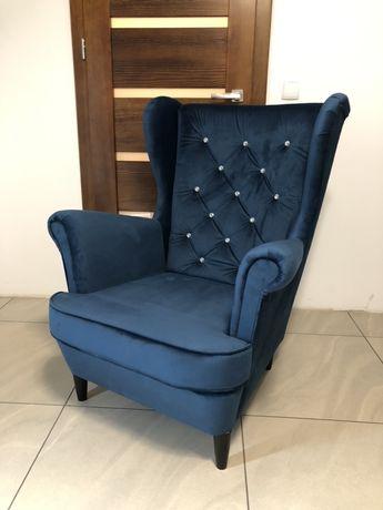 Fotel uszak pikowany kryształki producent foteli