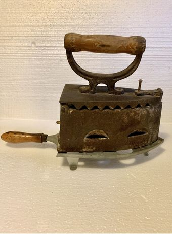 Stare żelazko na węgiel