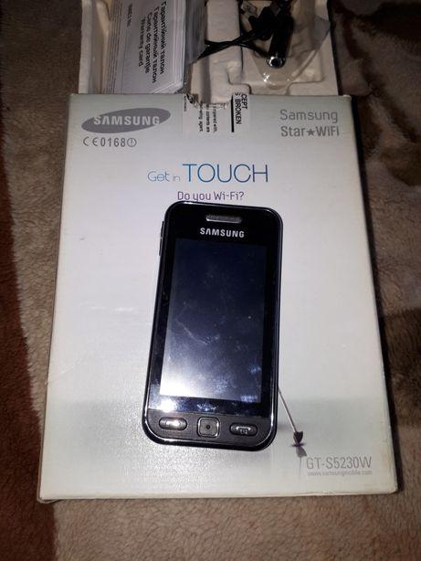 Сенсорный телефон Samsung