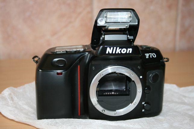 Maquina Fotográfica Analógica Nikon F70 - só corpo