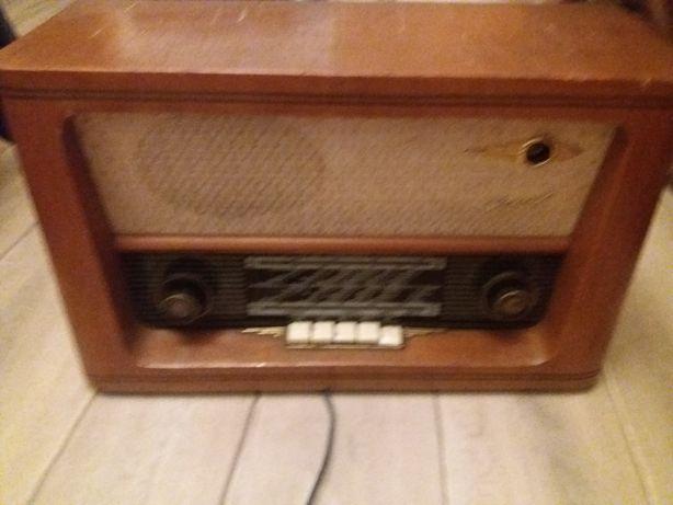 Sprzedam radio z okresu PRL-u KAPRYS 6275