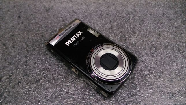 Цифровий фотоапарат Pentax optio M60 (вмикається)