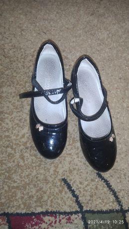 Туфли черные 36размер