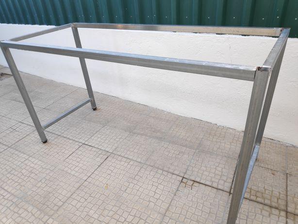 Móvel/Estrutura em ferro - suporte bancada