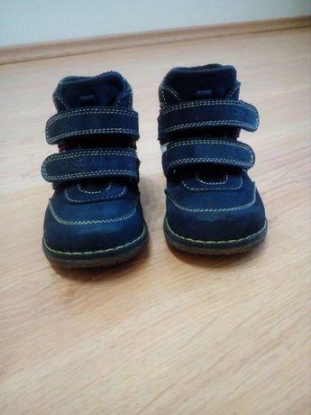 Продам детские ботинки, р.23, кожаные, демисезонные