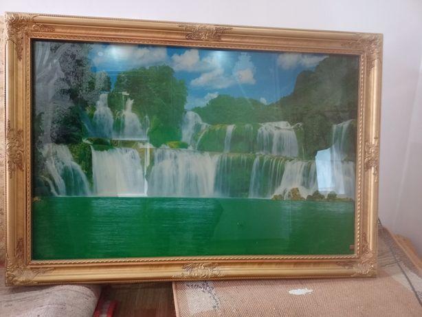 Продам настенную картину Водопад в раме, светится и звук шум воды