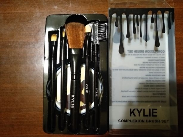 Продам кисточки Kylie