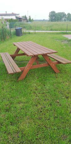 Stół ogrodowy  z ławeczkami