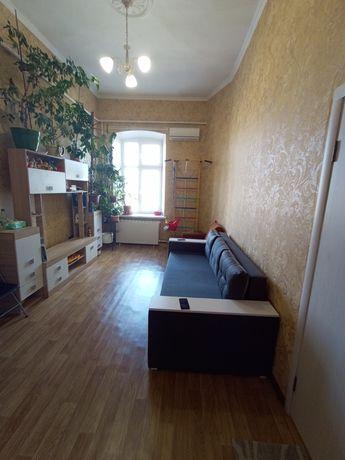 Продам! Большую комнату в коммунальной квартире в Приморском районе.
