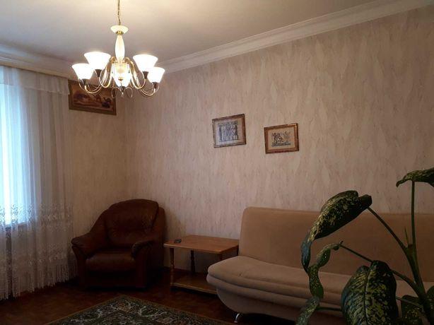Сдам 1 ком квартиру в центре города ( евро,сталинка) RI