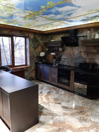 3-на квартира 68 м. з авторським дизайном, меблями та технікою Чарівна