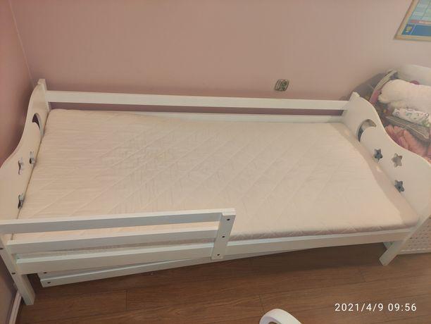 Łóżko drewniane biale