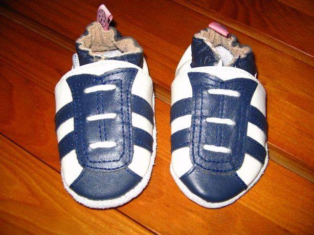 Sapatos em pele 0-5meses novos nunca usados