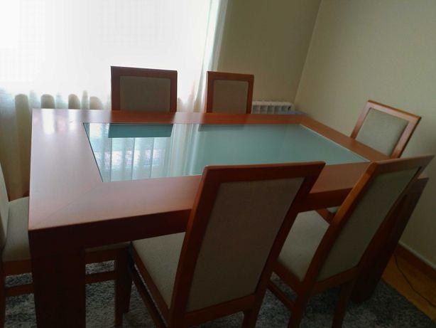 Mobília sala jantar em Madeira de cerejeira.