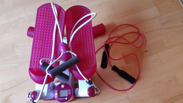 Steper do ćwiczeń z linkami, gratis skakanka