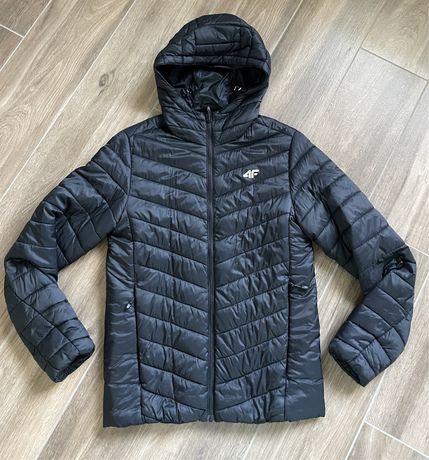 4F czarna pikowana kurtka S Ideał!