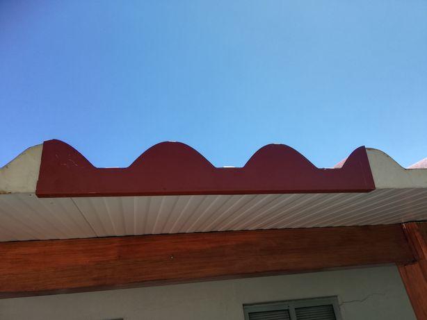 Remate do topo da telha telha sanduíche