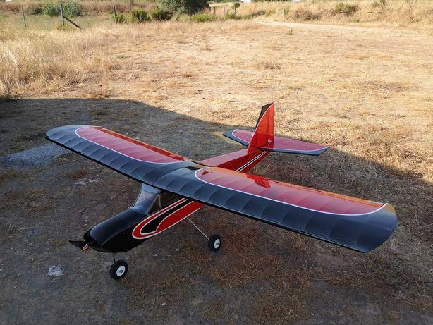 Vendo avião de aeromodelismo Seniorita EP