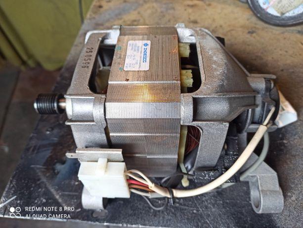 двигатель к стиральной машины Индезит