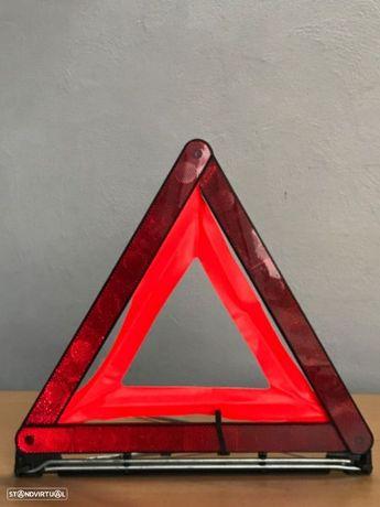 Triângulo Signalização  de Tampa Mala BMW Série 5 / 520 D de 04 a 09