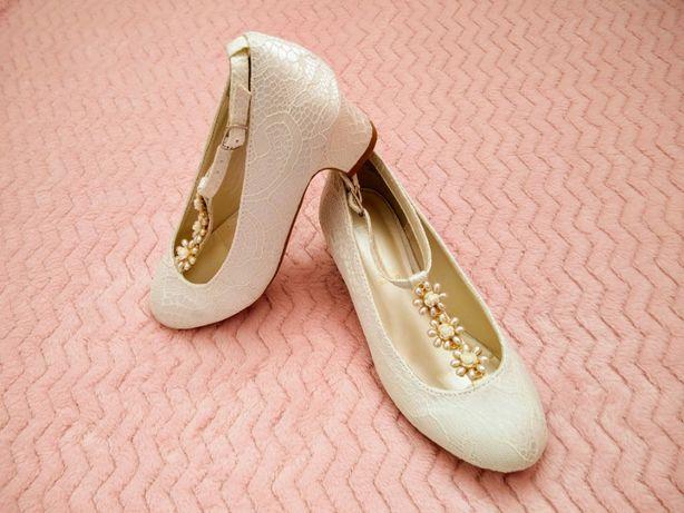 Eleganckie pantofelki
