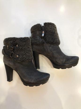 Продам зимние ботинки Carnaby
