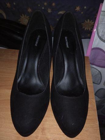 Czarne buty eleganckie