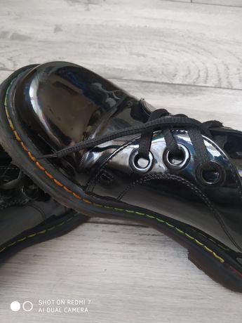 Продам туфли женские,лоферы,на шнурках,рр 39(25см)