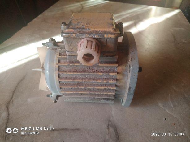 Електродвигун, двигун асинхронний 4ААМ56В4У3
