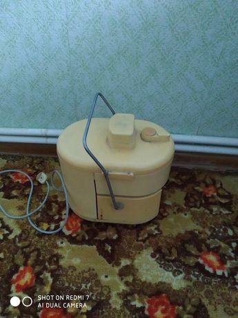 Машинка для перетирання овочів