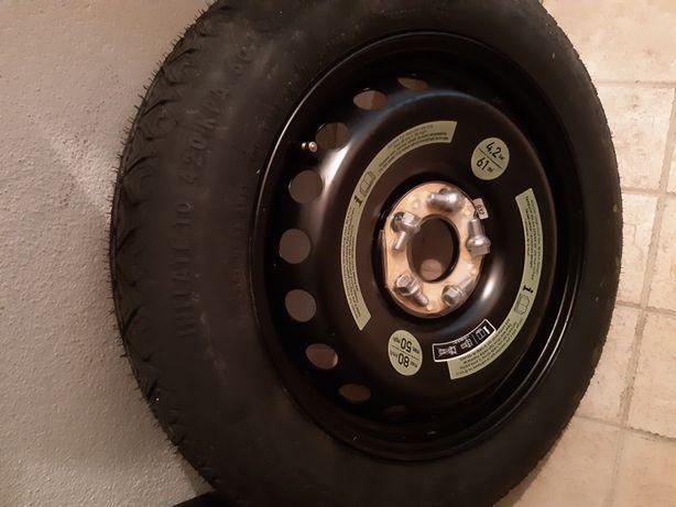 Mercedes C roda de socorro