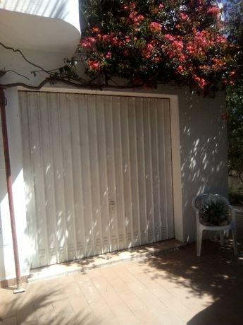 Portão de Garagem Basculante 2, 20m  X  2,20 m.