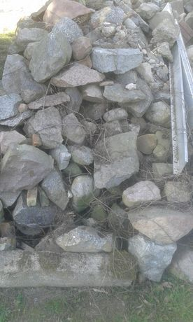 Kamień polny,łamany,do celów budowlanych,na fundamenty,podmurówki,ogró
