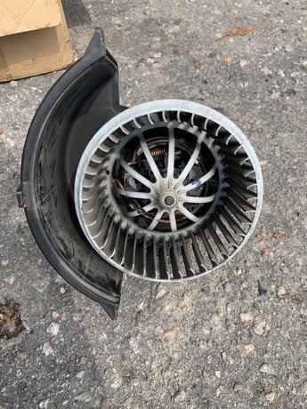Вентилятор печки Audi Q7 & WV Touareg