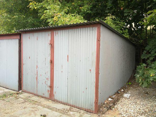 Sprzedam dwa garaże blaszane.