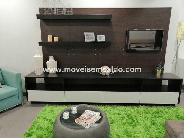 Móvel de TV Lacado Mate c/ 320cm + 3 Prateleiras
