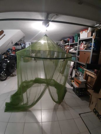 Rede mosquiteira verde com variadas aplicações basta imaginar