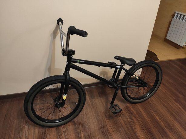 Rower BMX z dobrym osprzętem