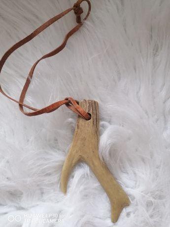 Brylok do kluczy z poroża jelenia