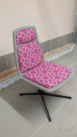 Krzesła tapicerowane-metalowa noga-3szt
