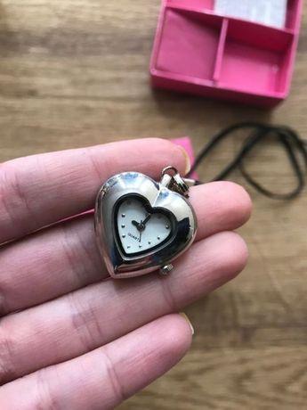 Новые часы в форме сердца подарок на 14 февраля часики колье браслет