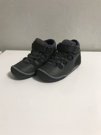 Демисезонні черевички кросівки