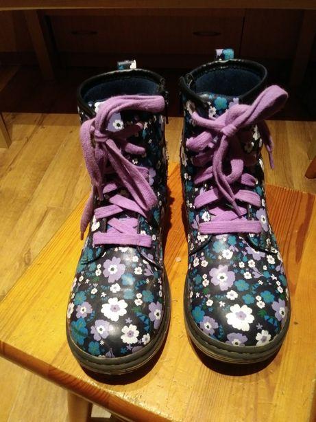 Buty dziewczęce trepy glany piękne w kwiatki