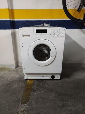 Máquina de lavar a roupa Whirlpool AWOD-051