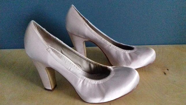 Perłowe buty ślubne czółenka szpilki rozm. 38 dł. wkładki 24,5 cm